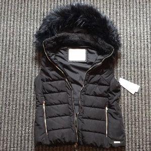 Brand new Calvin Klein repel performance vest